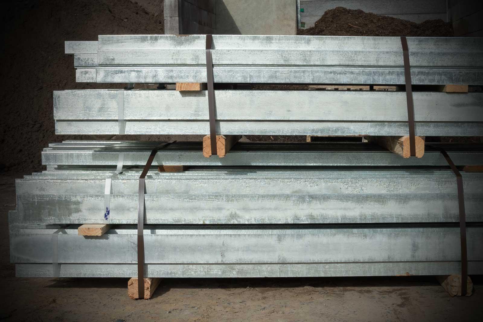 Retaining wall posts